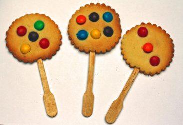 rugesjo pirmos sausainiai