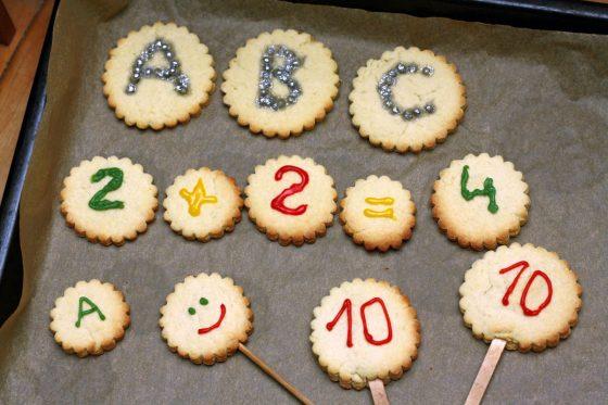 rugsejo pirmosios sausainiai