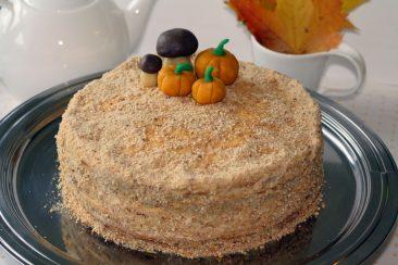 medaus tortas vaiko gimtadieniui