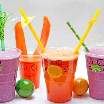 Linksmos stiklinės vaikams ir sveikas kokteilis