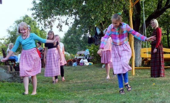 folkloro žaidimai vaikams