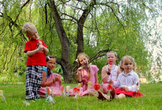 vaikų šventė su liaudies tradicijomis