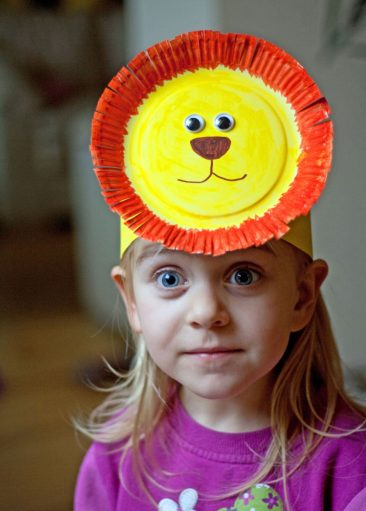 liūto kaukė vaikams karnavalui