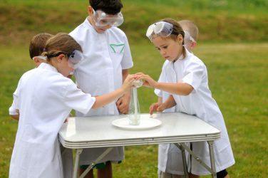 kaip vaikus sudominti mokslu