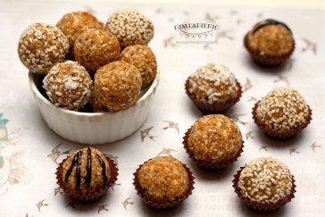 ir vėl sveiki saldumynai – abrikosų kamuoliukai su sėklomis