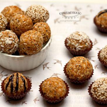 Ir vėl sveiki saldumynai: abrikosų kamuoliukai su sėklomis