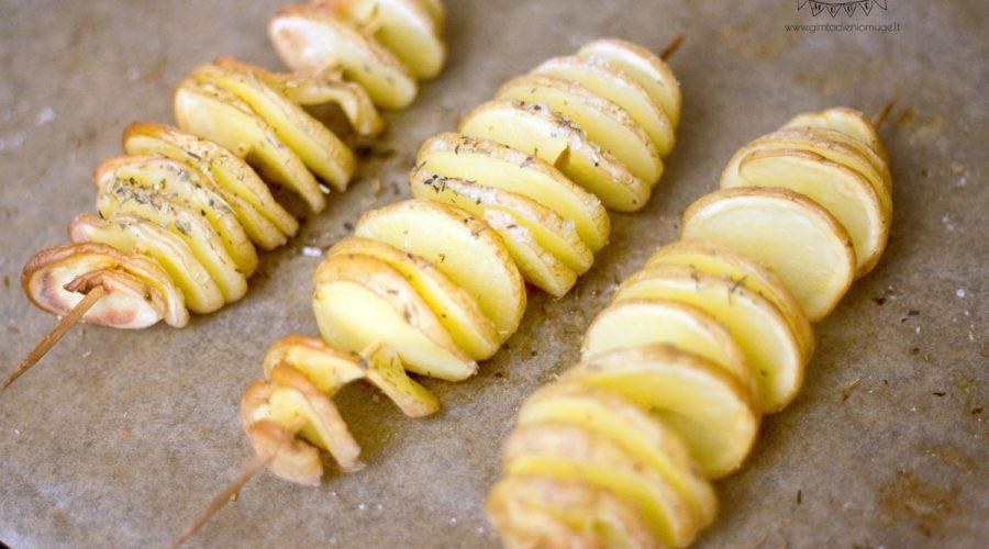 keptos bulvės vaikams beveik traškučiai ant pagaliuko