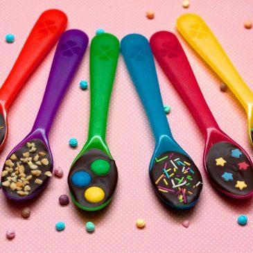 Šokoladiniai šaukštai, arba mažų smaližių džiaugsmas