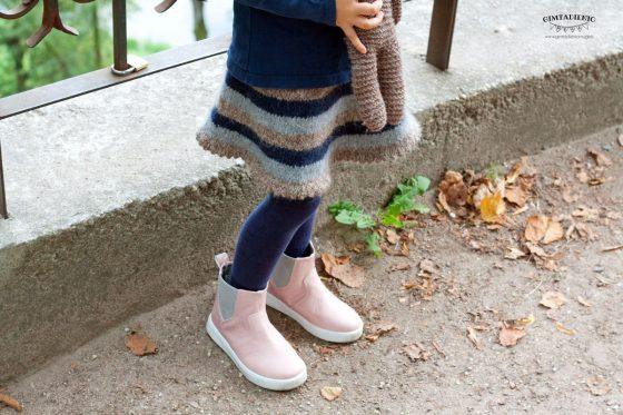 vaikiškas sijonas megztas