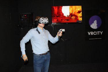 gimtadienis virtuali realybė