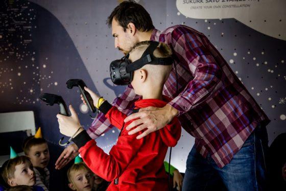 vaikų šventė virtuali realybė