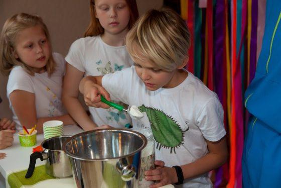 gimtadienis mergaitei ledų gaminimas