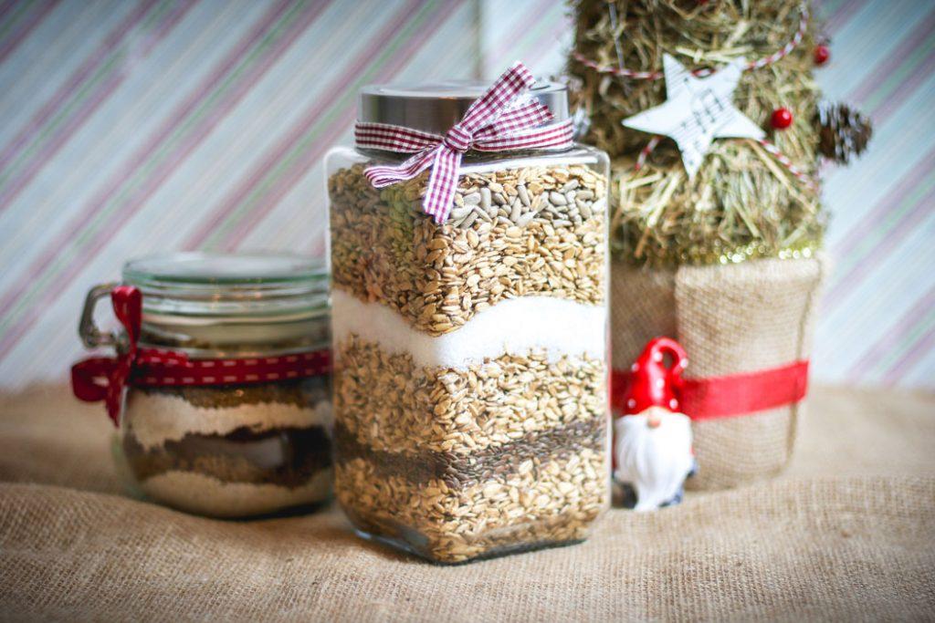 greitos kalėdinės dovanos pyragas butelyje