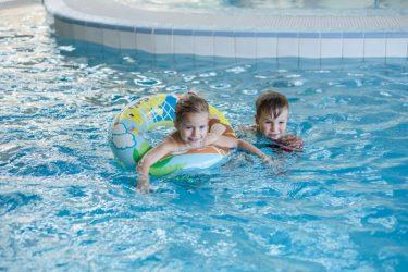 vaikų šventė baseinas spa vandens pramogos