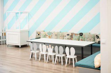 vaikiškas gimtadienis žaidimų kambaryje