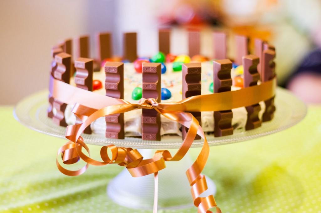 Gimtadienio tortas vaikams su Kinder šokoladukais