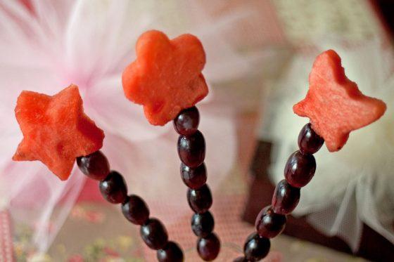 Vaisių vėrinukai fėjų šventei