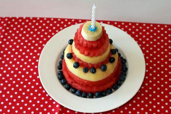 vaisiai cirko gimtadieniui