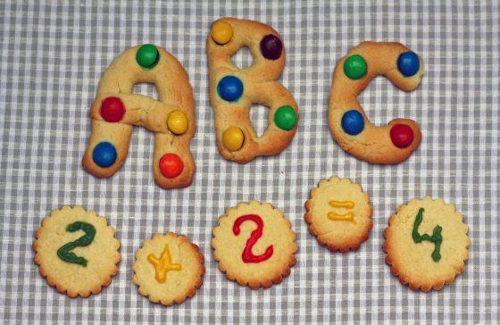 sausainiai raidės