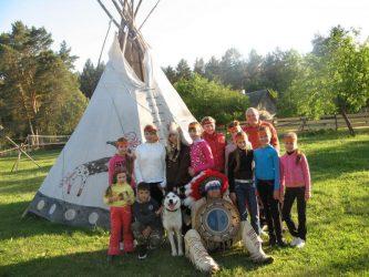 indėniškas gimtadienis nuotykių akademija