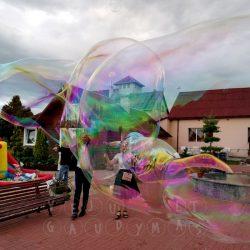 vėjų gaudymas dideli muilo burbulai