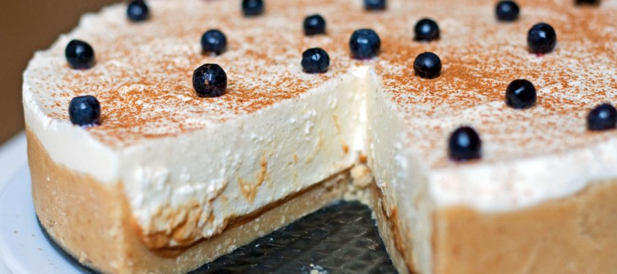 Ypatingai skanus maskarponės sūrio tortas su rududu pertepimu