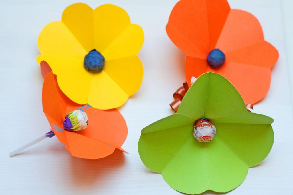 Išlankstomas gėlės žiedas vaikų darbeliai