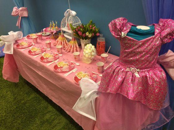 mergaitės gimtadienis princesių tema