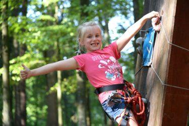 vaikų gimtadienis nuotykių parke laipynės
