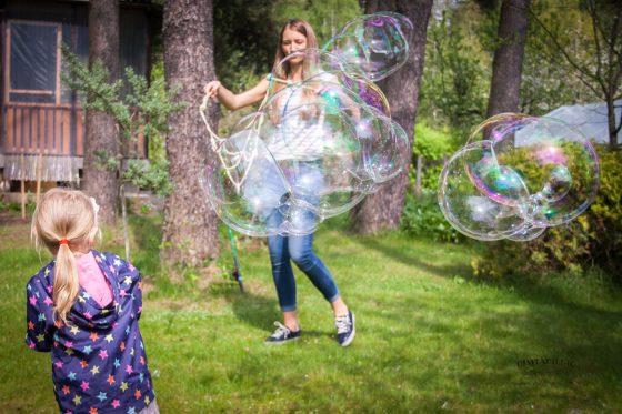 didžiuliai muilo burbulai šventei