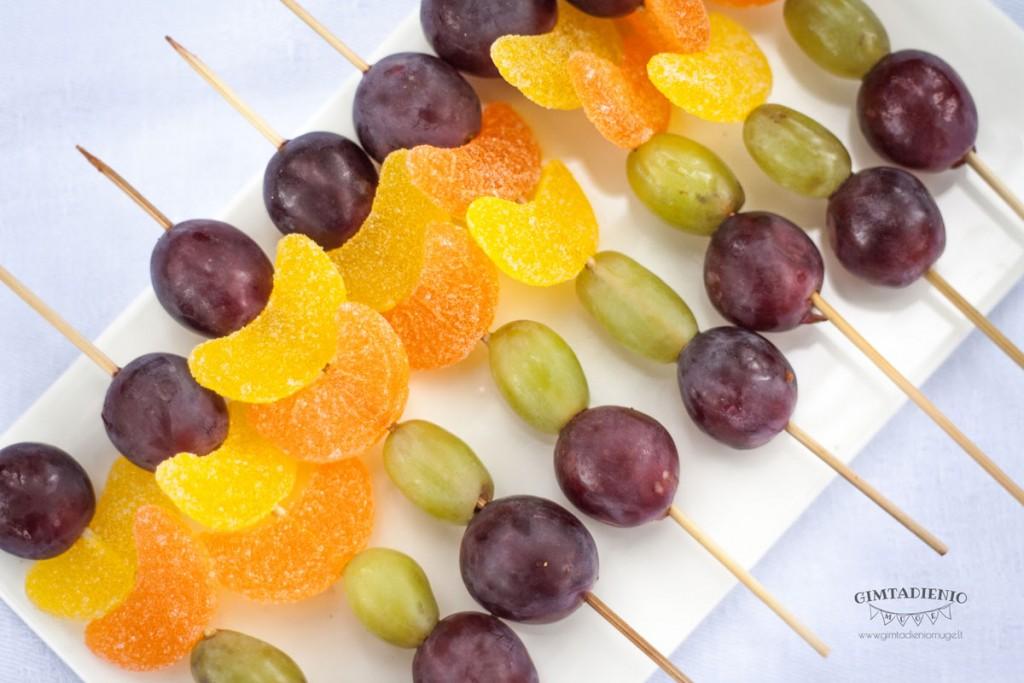 vaisių vėrinukai vaikų šventei