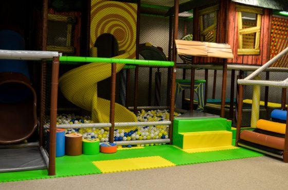 saugus vaikų žaidimų kambarys
