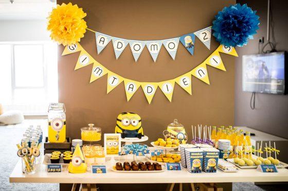 teminiai gimtadieniai vaikų kambaryje