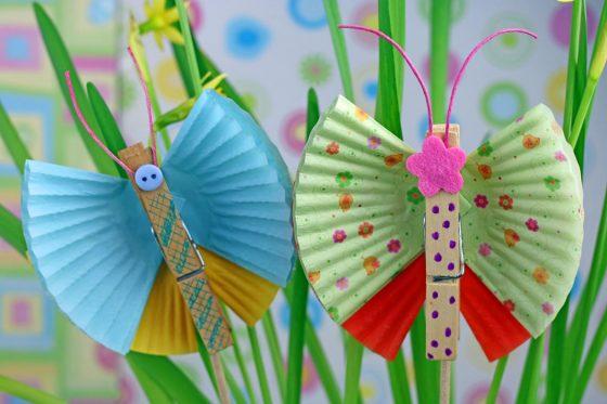 pavasarinės dekoracijos drugeliai iš keksiukų popierėlių