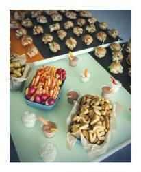 vaiko gimtadienis švenčių erdvė su maistu