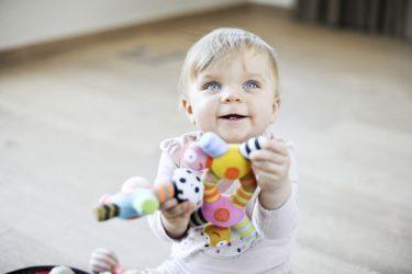 edukaciniai žaislai mažiems vaikams