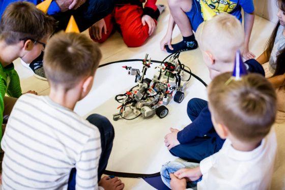 berniuko gimtadienis robotika