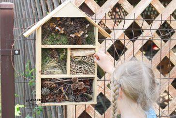 Sode su vaikais statome vabzdžių viešbutį