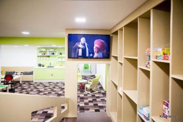 kvadratinis žaidimų kambarys