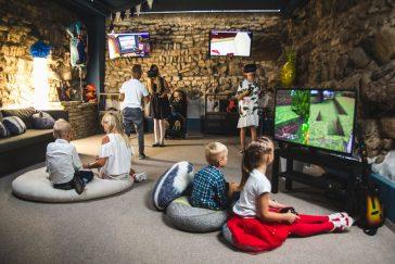 virtualios realybės gimtadieniai jaukiose senamiesčio erdvėse
