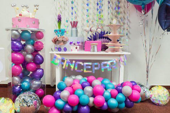 mergaitės gimtadieni šokių diskotekos dance party tema