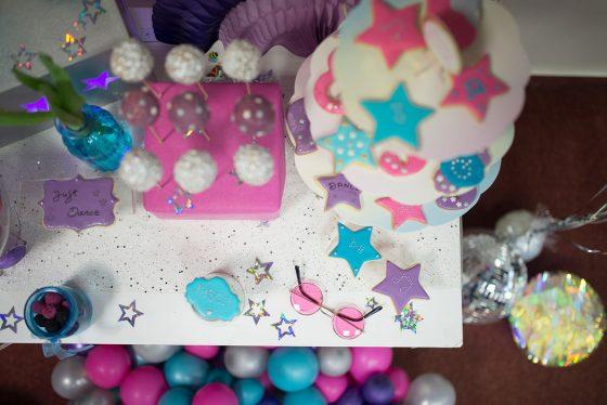 paauglės gimtadienis šventinės dekoracijos