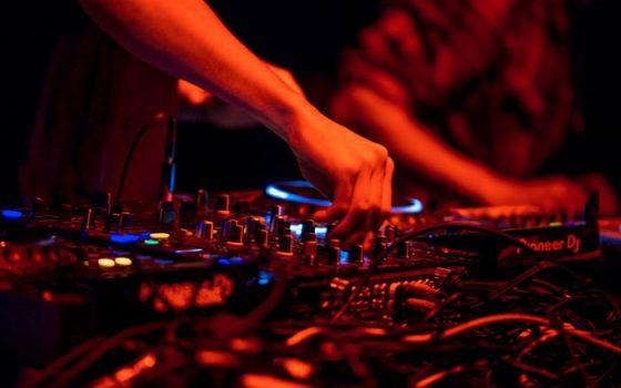 muzikos aparatūros nuoma vakarėliui
