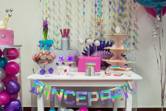 mergaitės gimtadienis namuose kaip dekoruoti