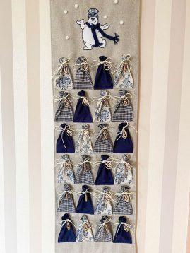 siūtas medžiaginis advento kalendorius