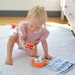 lavinantys žaislai kūdikiams